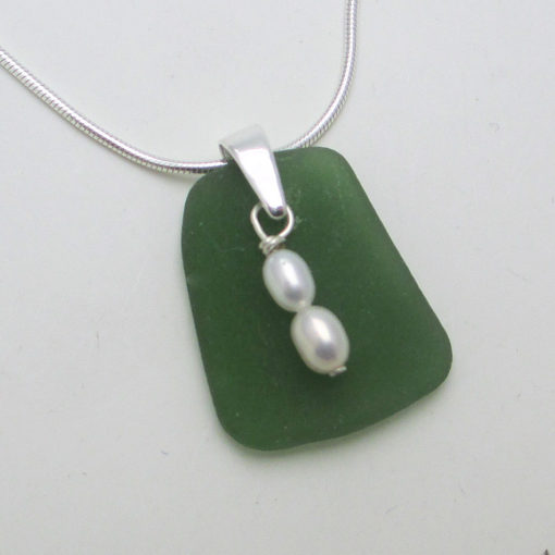 jade-green-with-pearls