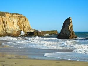 Surf-on-Davenport-Beach-California-1024x7681-300x225