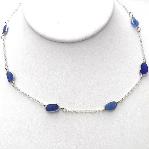 blue round necklace 1