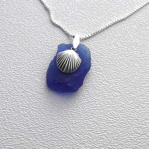 cobalt necklace with shell 1