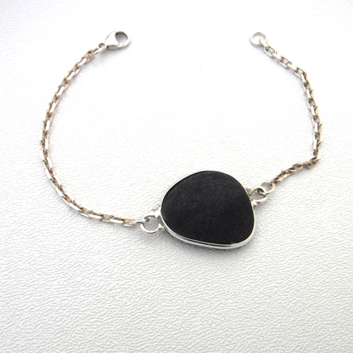 black sea glass bracelet 1