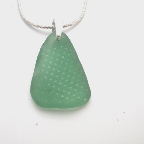 apple green patterned sea glass necklace