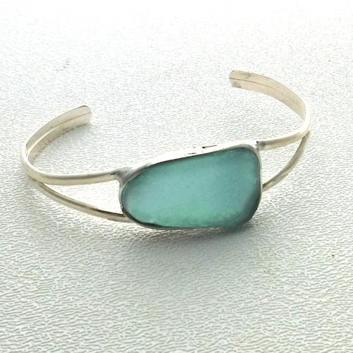 aqua bracelet 1