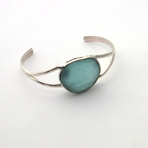 aqua sea glass bracelet 1