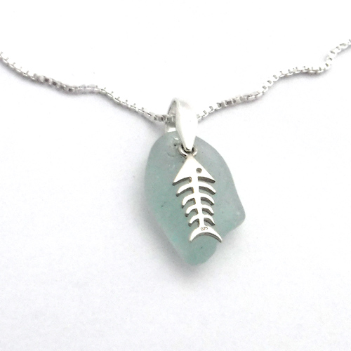 sea glass necklace with bonefish charm 1