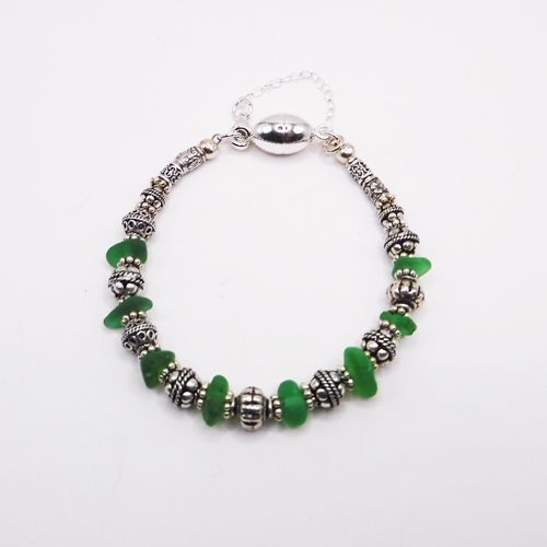 green bracelet 3