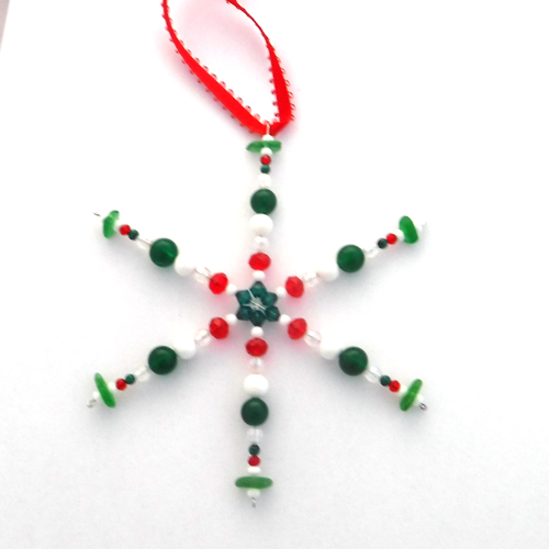 green and red snowflake 1