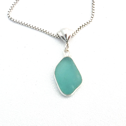 turquoise sea glass necklace1