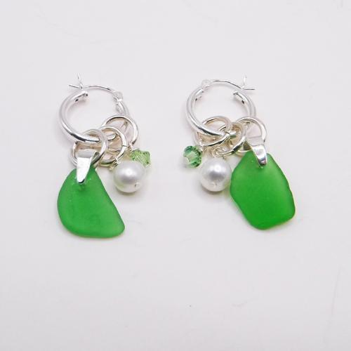 green earrings 1