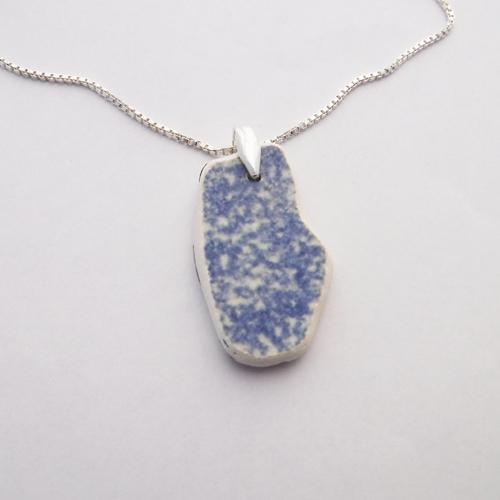 sponge ware pottery necklace 1